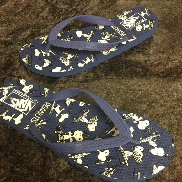 b6f51f6c924b Vans Hanelei Peanuts Snoopy Navy Flip Flop Shoes